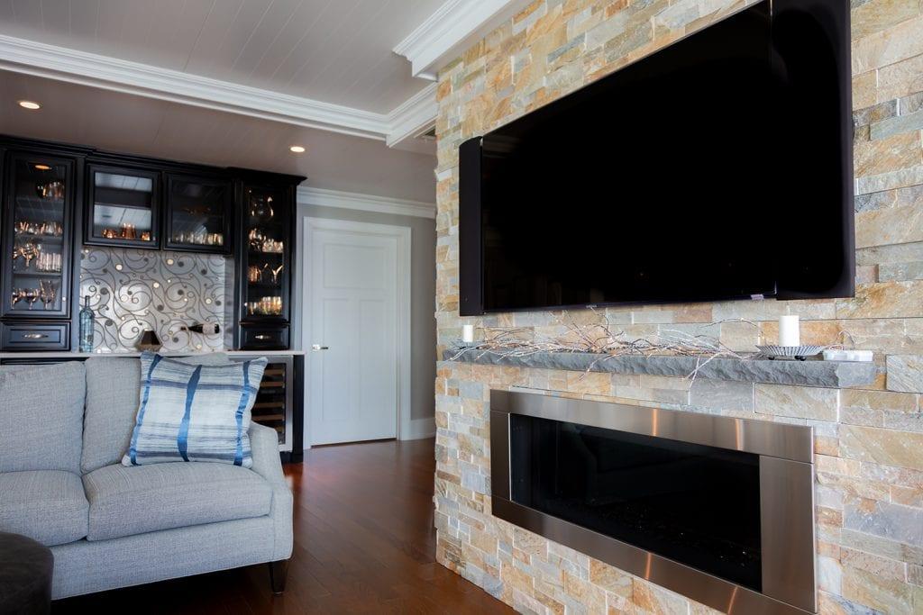 Fireplace Winebar